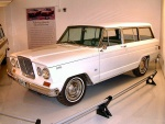 1964 Willys Jeep Wagoneer White fvl Garage (WPC Museum) F